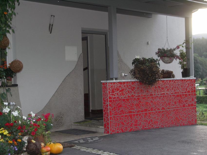 Dekorations Beispiele: Fassade in Mosaik