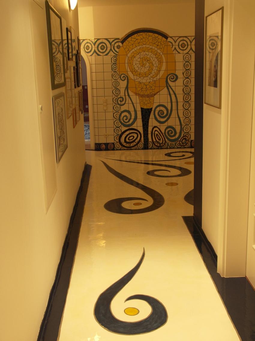 Dekorations Beispiele: Dekoration eines Flurs mit Terrazzoart und Keramik